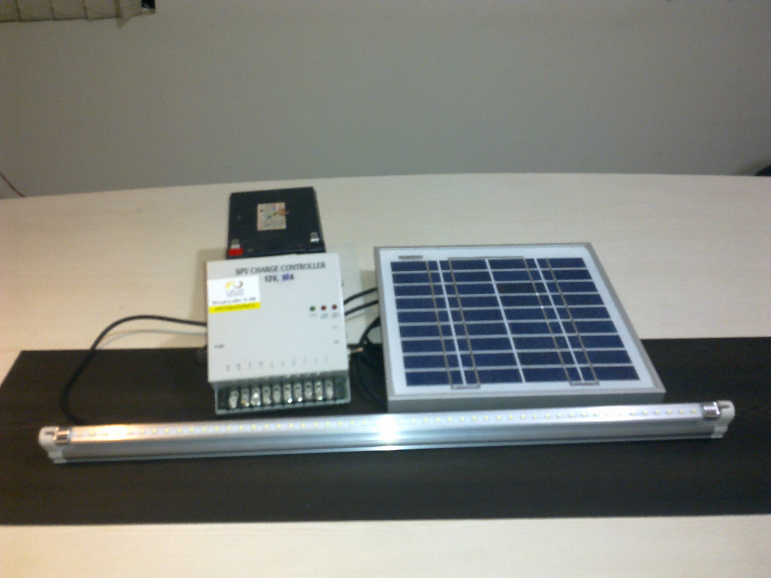 Solar LED Tubelight Kit